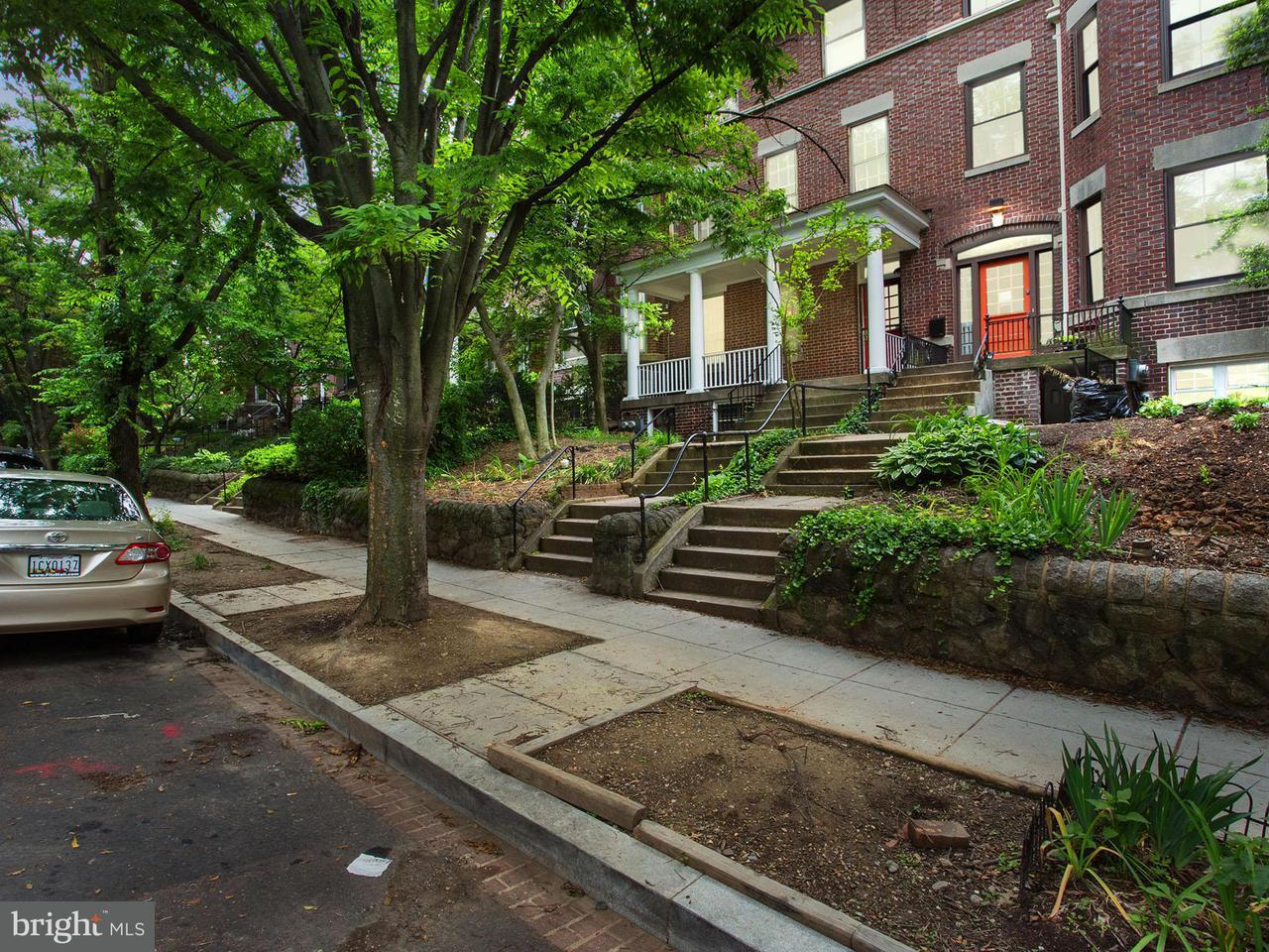 多棟聯建住宅 為 出售 在 1822 LAMONT ST NW 1822 LAMONT ST NW Washington, 哥倫比亞特區 20010 美國