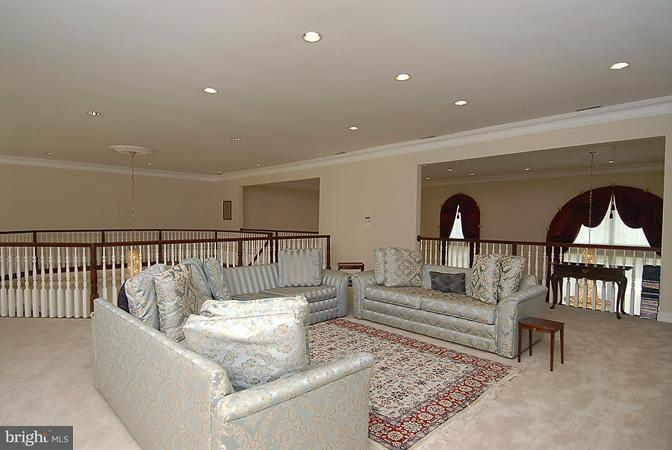 Additional photo for property listing at 13 POTOMAC MANORS Court 13 POTOMAC MANORS Court Potomac, Maryland 20854 United States