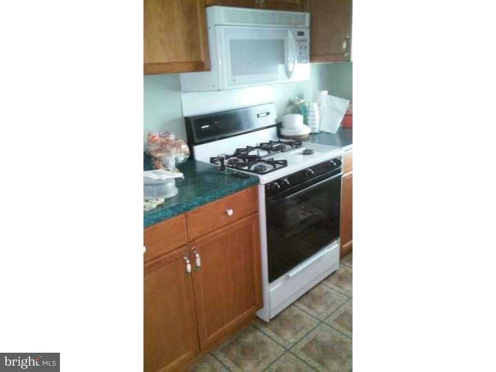 Maison accolée pour l Vente à 290 LINDEN Avenue Oaklyn, New Jersey 08107 États-Unis