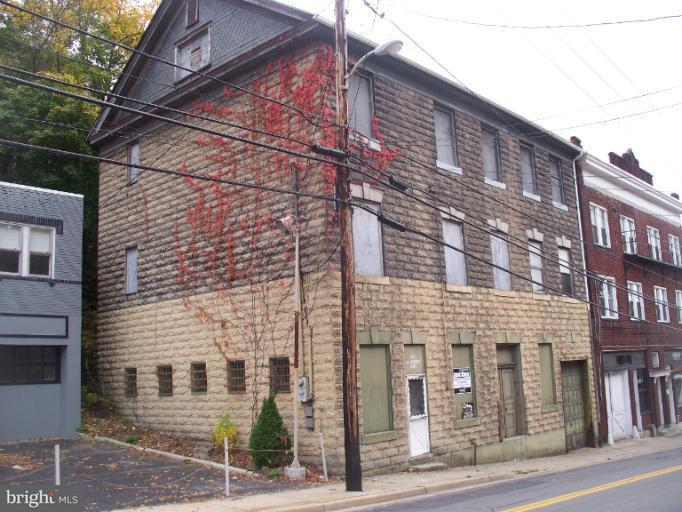 Commercial for Sale at 327 Baltimore Ave Cumberland, Maryland 21502 United States