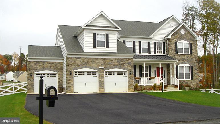 Casa Unifamiliar por un Venta en 13873 BLUESTONE Court 13873 BLUESTONE Court Hughesville, Maryland 20637 Estados Unidos