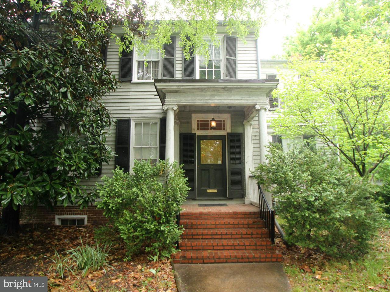 タウンハウス のために 売買 アット 407 Hanover Street 407 Hanover Street Fredericksburg, バージニア 22401 アメリカ合衆国