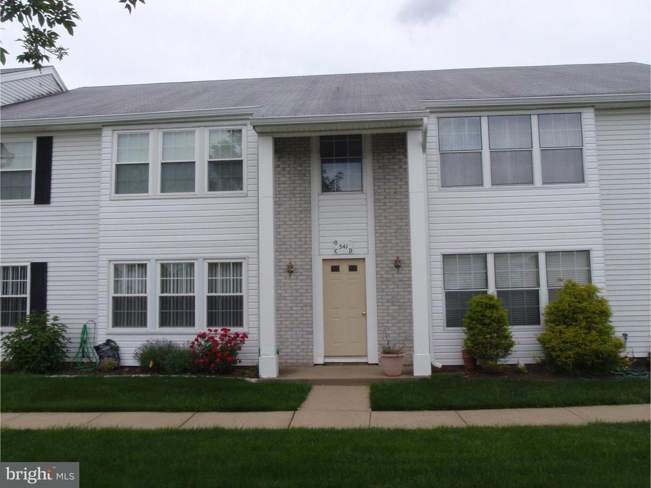 Appartement en copropriété pour l à louer à 541 BERBERIS PLZ #D Monroe Township, New Jersey 08831 États-UnisDans/Autour: Monroe Township