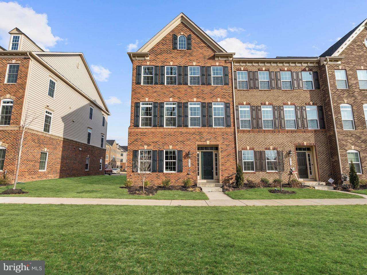Townhouse for Sale at 7912 Culloden Crest Lane 7912 Culloden Crest Lane Gainesville, Virginia 20155 United States