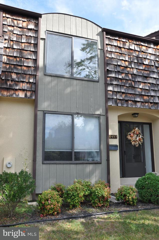Townhouse for Sale at 10657 MUIRFIELD Drive 10657 MUIRFIELD Drive Potomac, Maryland 20854 United States