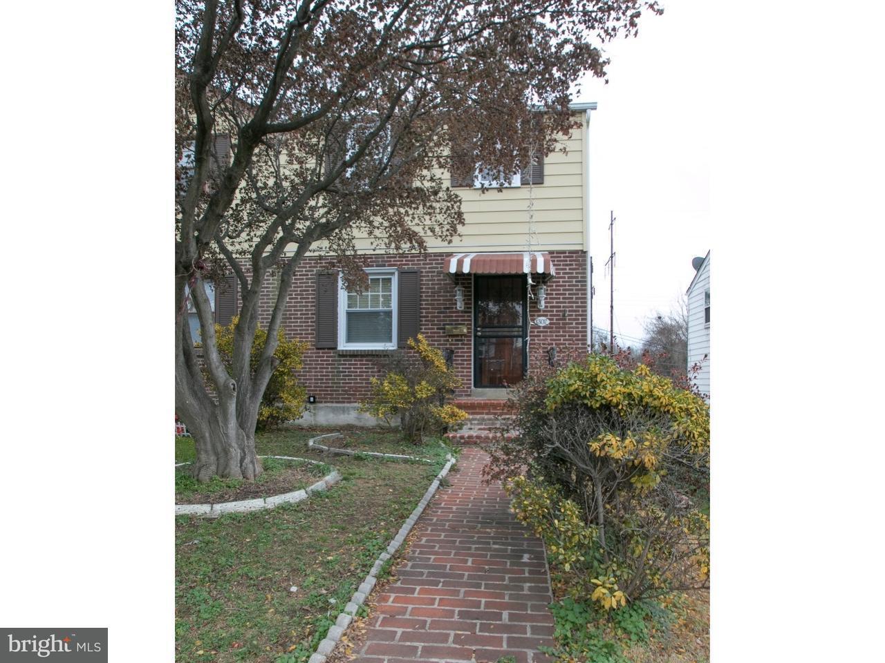 Maison accolée pour l Vente à 1307 WOODLAND Avenue Sharon Hill, Pennsylvanie 19079 États-Unis