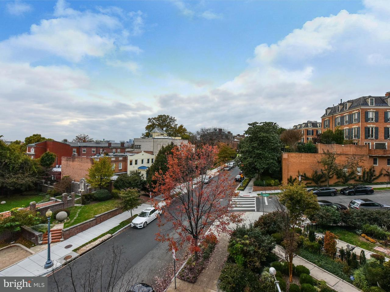 Additional photo for property listing at 2131 S St NW  Washington, District Of Columbia 20008 United States