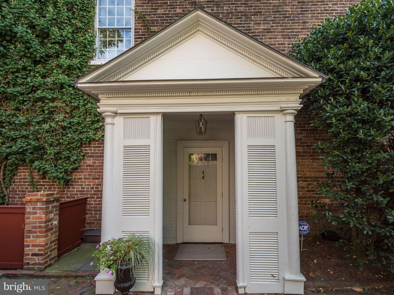 Additional photo for property listing at 224 Lee St S 224 Lee St S Alexandria, Virginia 22314 United States