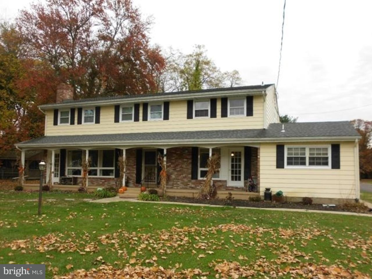 Maison unifamiliale pour l Vente à 406 MAIN Street Juliustown, New Jersey 08042 États-Unis