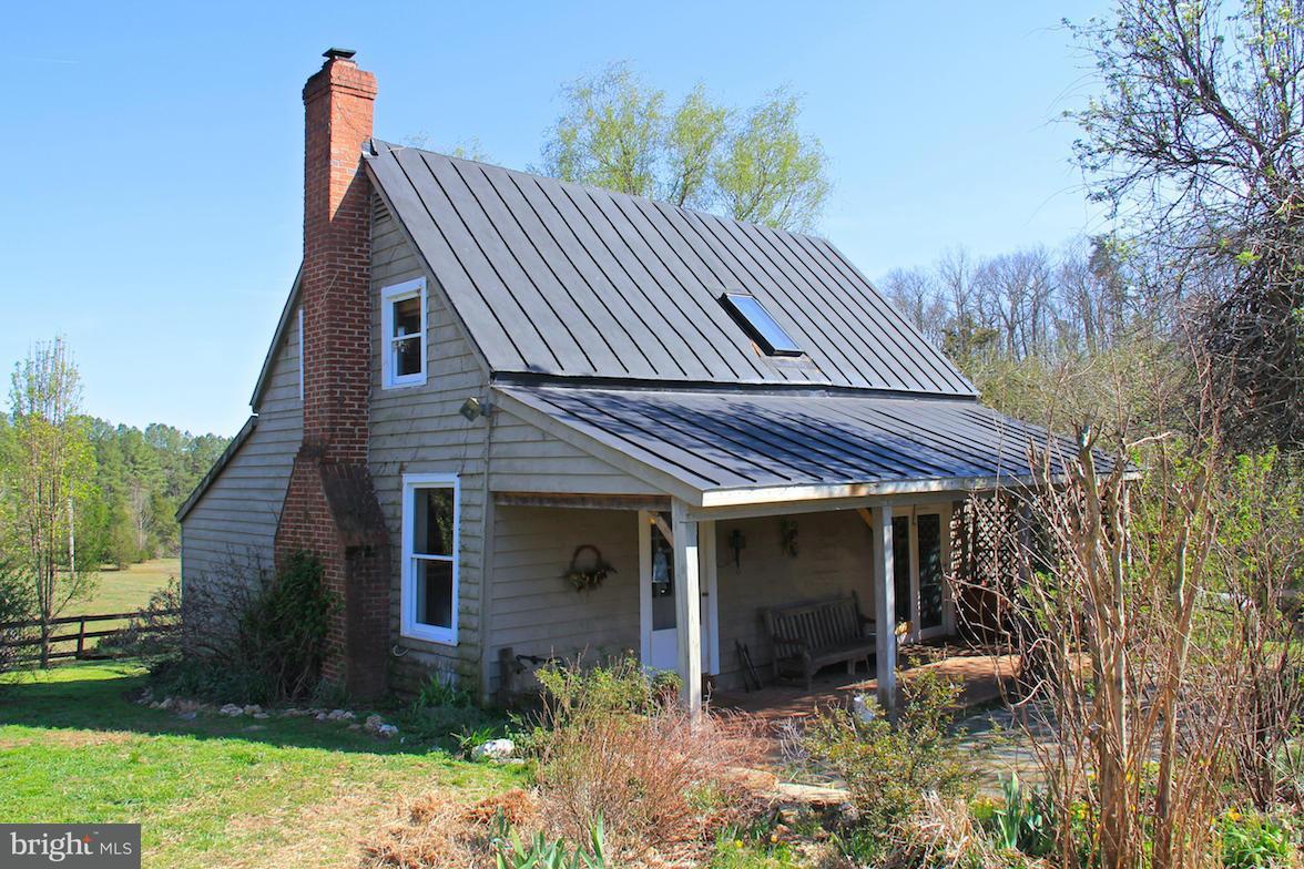 Fazenda / Quinta para Venda às 7814 Chestnut Grove Road 7814 Chestnut Grove Road Esmont, Virginia 22937 Estados Unidos