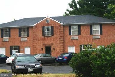 商用 为 销售 在 5121 HENDERSON Road 5121 HENDERSON Road Temple Hills, 马里兰州 20748 美国
