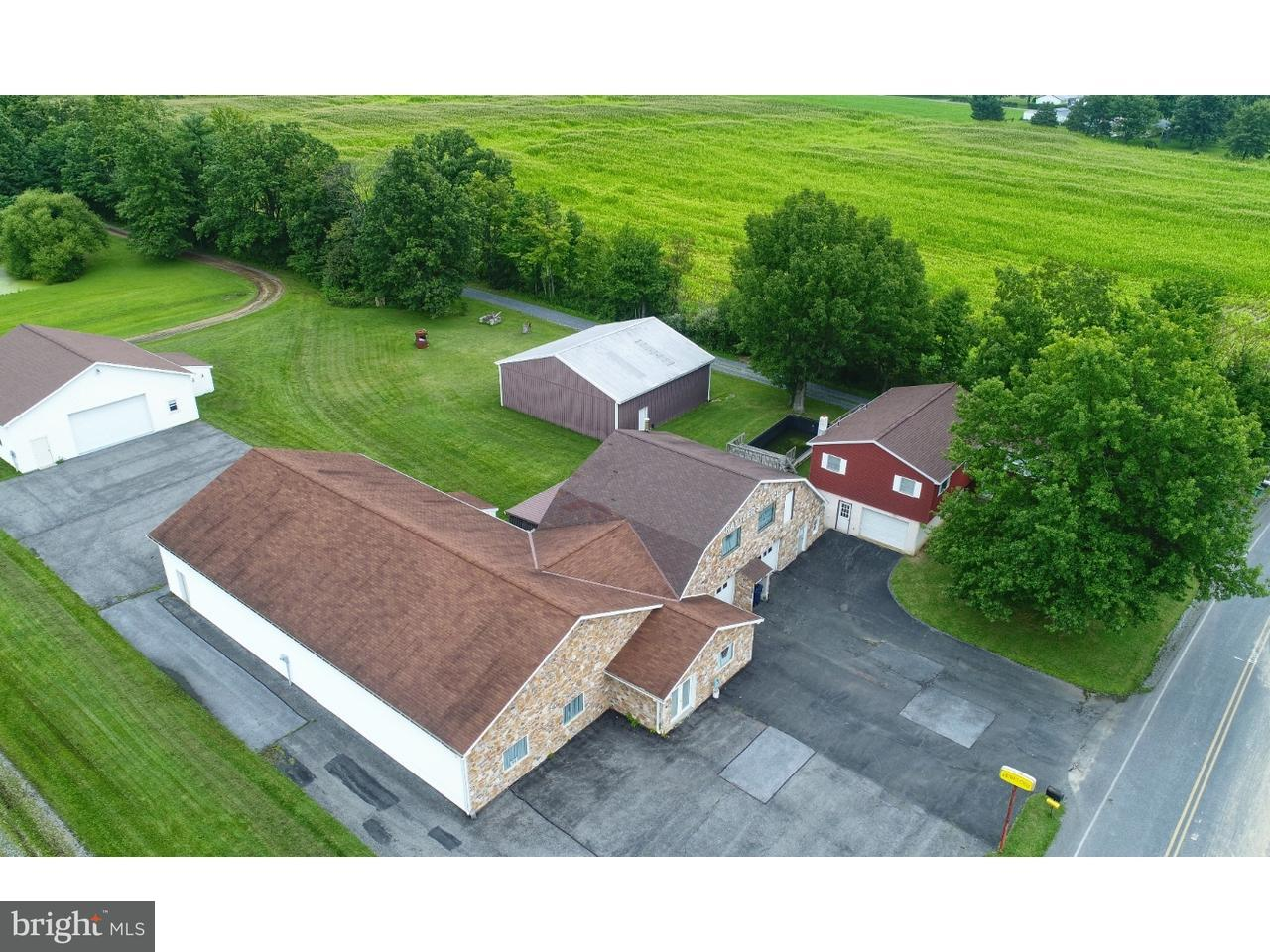 Casa Unifamiliar por un Venta en 1009 SCHUBERT Road Bethel, Pennsylvania 19507 Estados Unidos