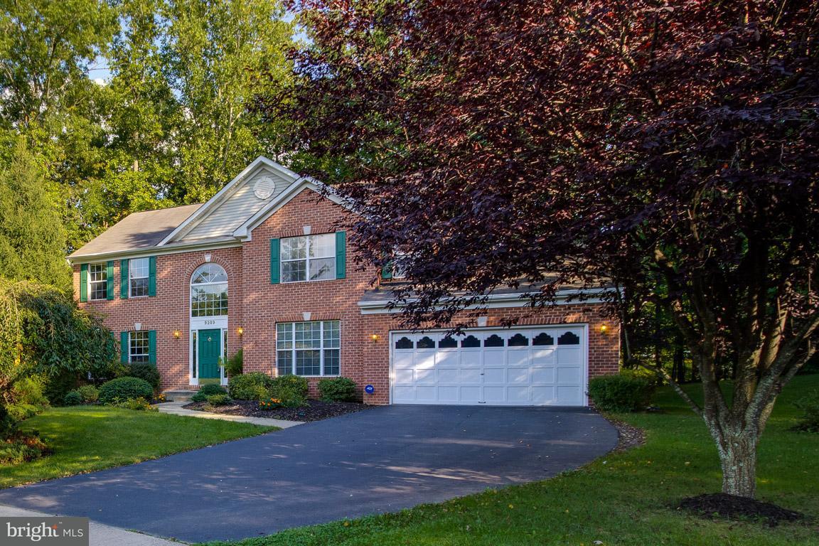獨棟家庭住宅 為 出售 在 9209 GOLF Court 9209 GOLF Court Manassas Park, 弗吉尼亞州 20111 美國