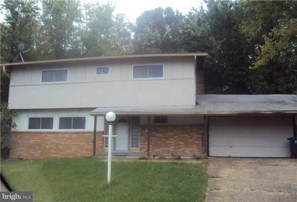 Single Family for Sale at 6804 Collinson Ct Camp Springs, Maryland 20748 United States