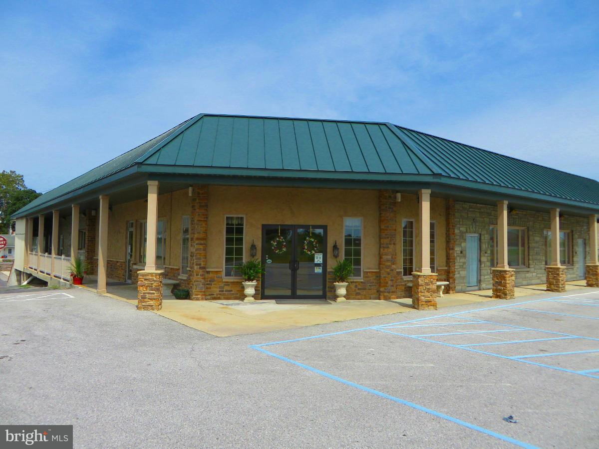 Commercial for Sale at 7325 MOLLY PITCHER HWY 7325 MOLLY PITCHER HWY Greencastle, Pennsylvania 17225 United States