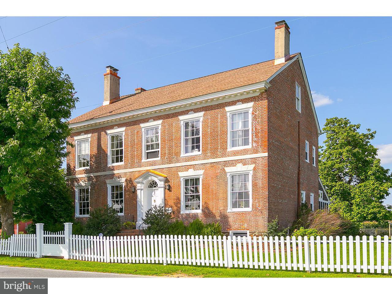 Maison unifamiliale pour l Vente à 2 LAYTON Road Woodstown, New Jersey 08098 États-Unis