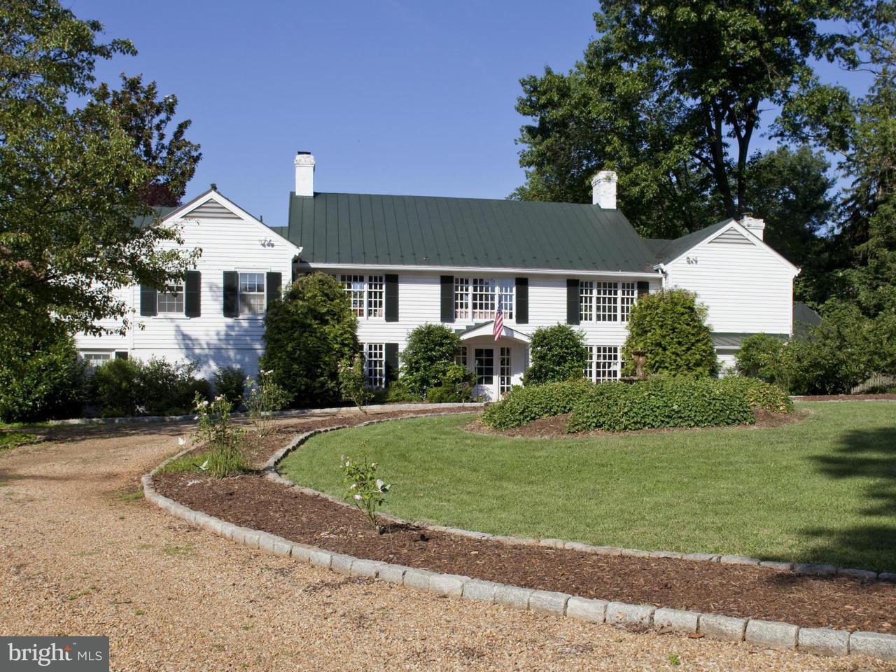 Einfamilienhaus für Verkauf beim 8123 Spotswood Trail 8123 Spotswood Trail Gordonsville, Virginia 22942 Vereinigte Staaten