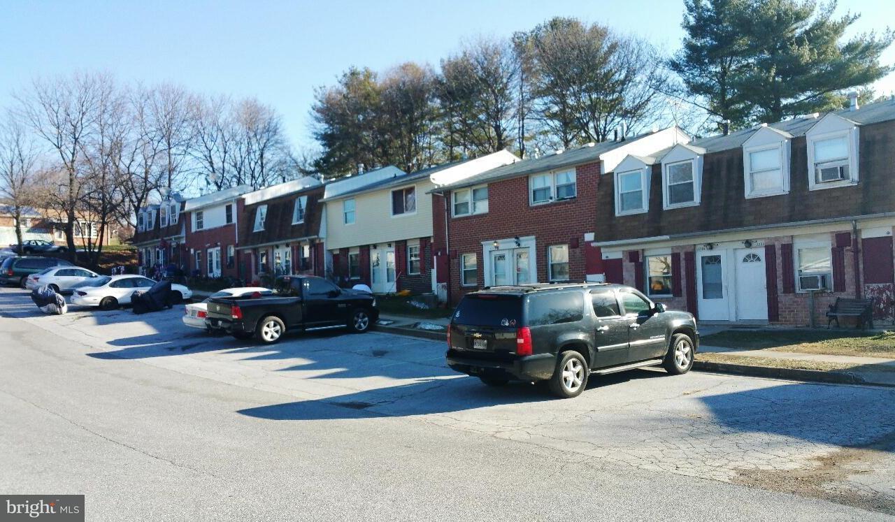 Casa Multifamiliar por un Venta en 3233 CHESTNUT/3255 Street 3233 CHESTNUT/3255 Street Manchester, Maryland 21102 Estados Unidos