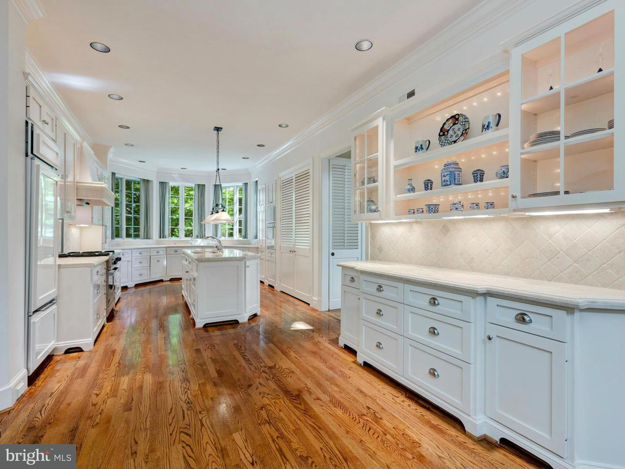 Additional photo for property listing at 6004 Brookside Dr  Chevy Chase, Maryland 20815 United States