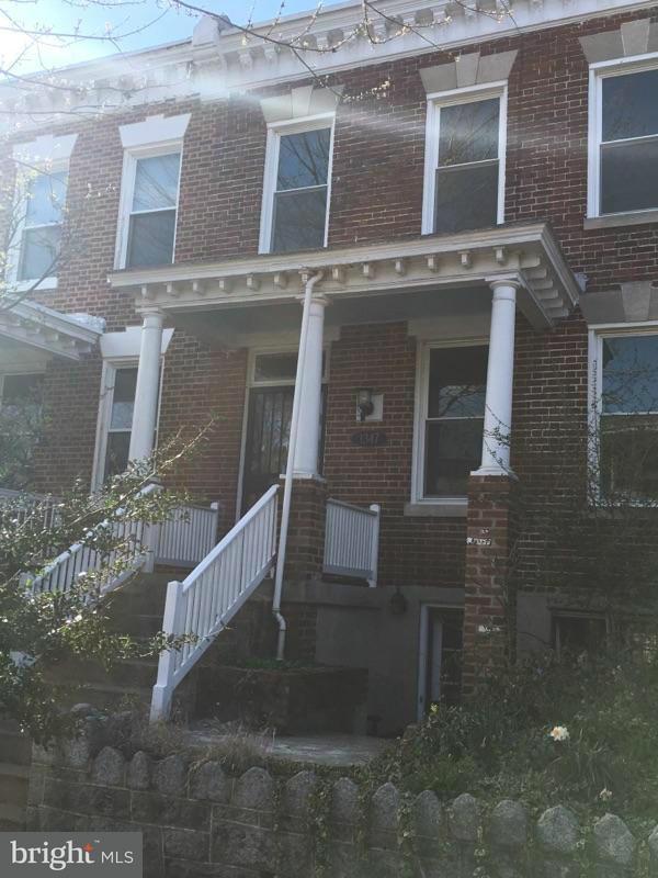 Additional photo for property listing at 1347 G ST SE 1347 G ST SE Washington, Distrito De Columbia 20003 Estados Unidos