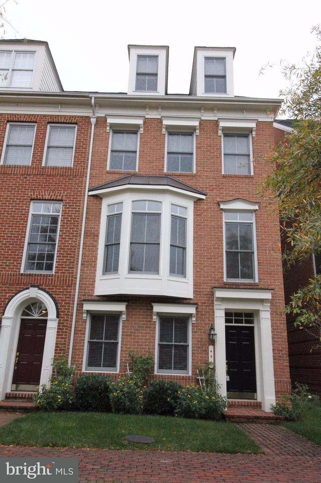 Other Residential for Rent at 456 Ferdinand Day Dr Alexandria, Virginia 22304 United States