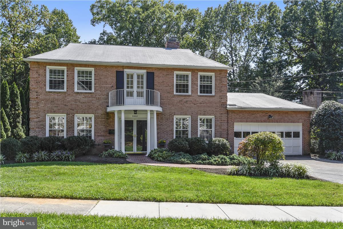 Частный односемейный дом для того Продажа на 9922 LA DUKE Drive 9922 LA DUKE Drive Kensington, Мэриленд 20895 Соединенные Штаты