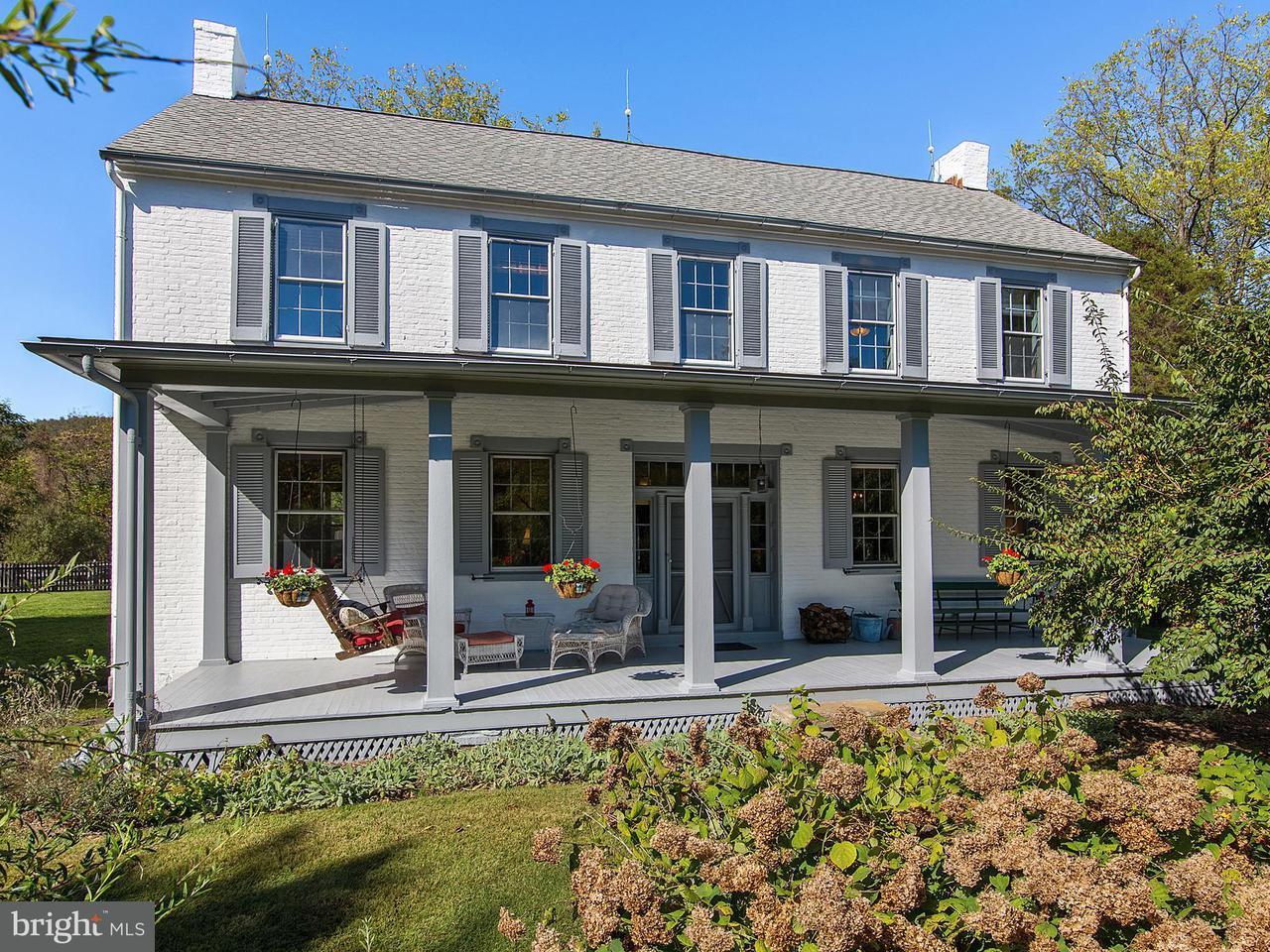 Частный односемейный дом для того Продажа на 20160 BROWNSVILLE Road 20160 BROWNSVILLE Road Knoxville, Мэриленд 21758 Соединенные Штаты