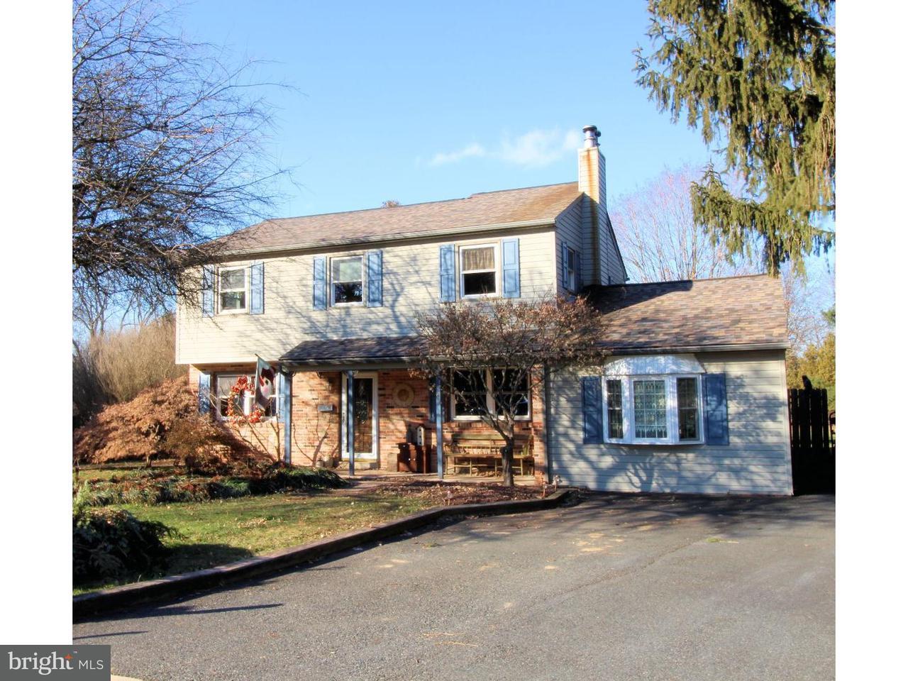 Частный односемейный дом для того Продажа на 347 STONEHAVEN Drive Red Hill, Пенсильвания 18076 Соединенные Штаты