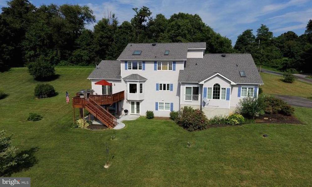 Частный односемейный дом для того Продажа на 20858 Reno Monument Road 20858 Reno Monument Road Boonsboro, Мэриленд 21713 Соединенные Штаты