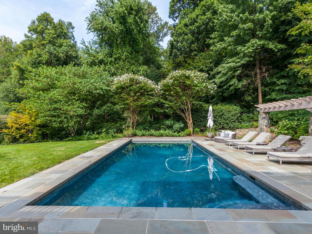 Additional photo for property listing at 8404 Rapley Ridge Ln  Potomac, Maryland 20854 United States