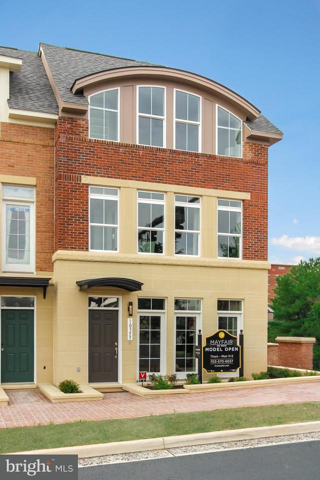 Townhouse for Sale at 4025 EAST Street 4025 EAST Street Fairfax, Virginia 22030 United States