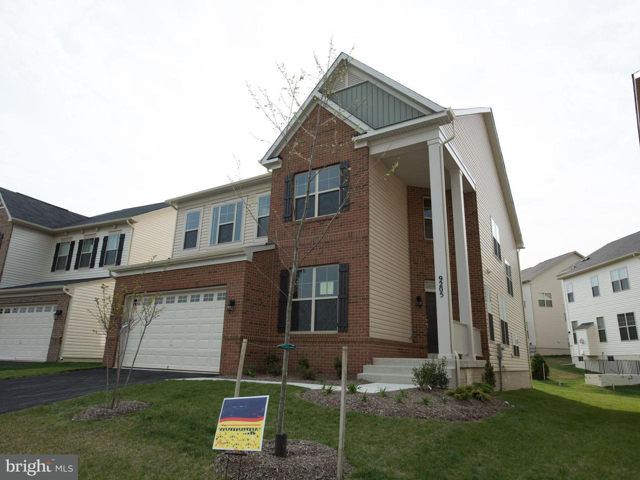 Частный односемейный дом для того Продажа на 9105 GLENARDEN PKWY 9105 GLENARDEN PKWY Glenarden, Мэриленд 20706 Соединенные Штаты