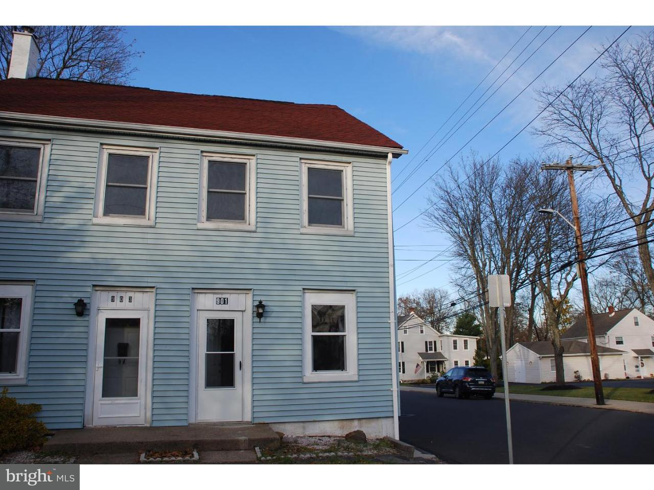 Casa unifamiliar adosada (Townhouse) por un Alquiler en 901 W BROAD Street Quakertown, Pennsylvania 18951 Estados Unidos