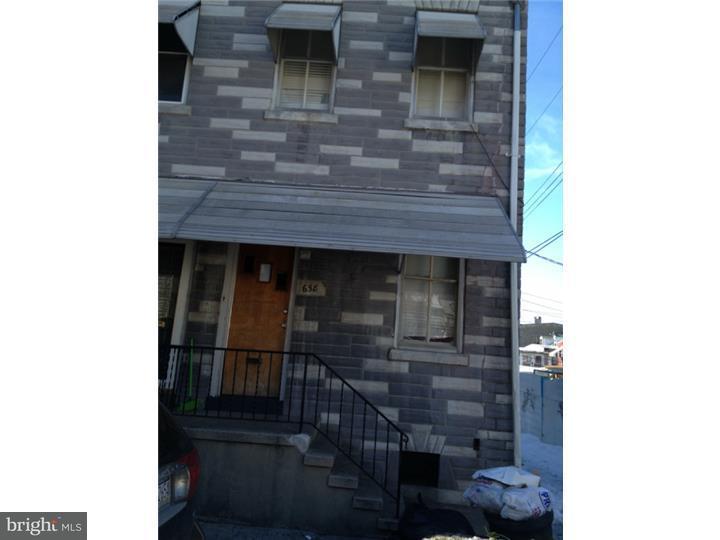 Casa unifamiliar adosada (Townhouse) por un Venta en 658 MULBERRY Street Reading, Pennsylvania 19604 Estados Unidos