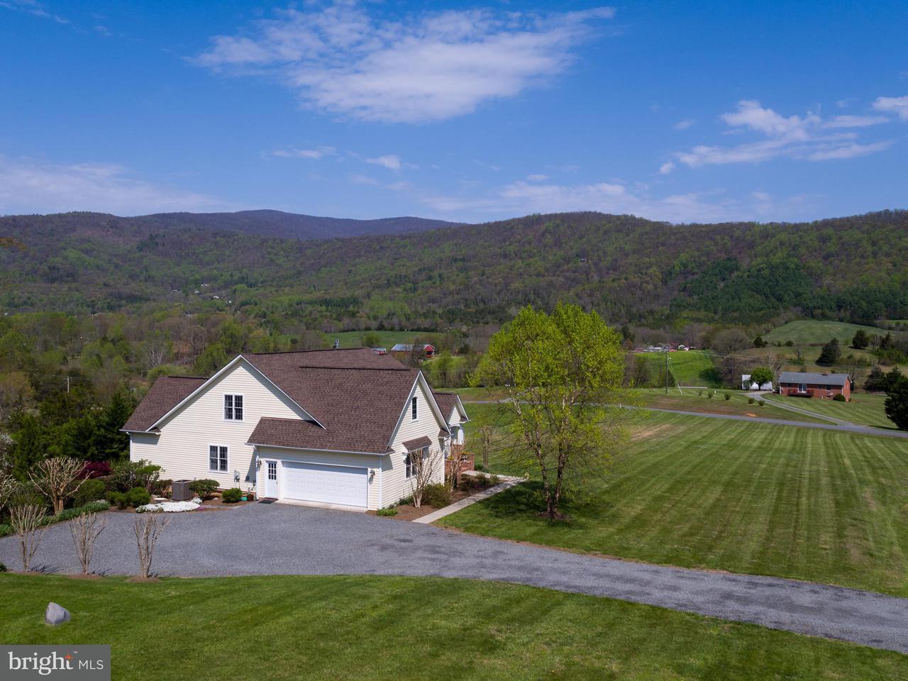 Частный односемейный дом для того Продажа на 32 LEXINGTON Court 32 LEXINGTON Court Stanardsville, Виргиния 22973 Соединенные Штаты