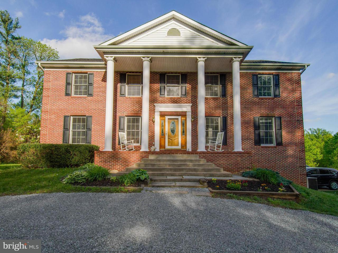 Частный односемейный дом для того Продажа на 6231 BALLS MILL Road 6231 BALLS MILL Road Midland, Виргиния 22728 Соединенные Штаты