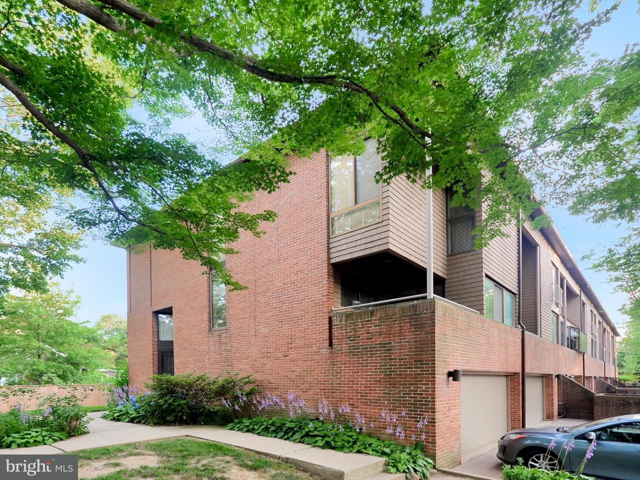 Maison accolée pour l Vente à 35 SERGEANT Street Princeton, New Jersey 08540 États-UnisDans/Autour: Princeton