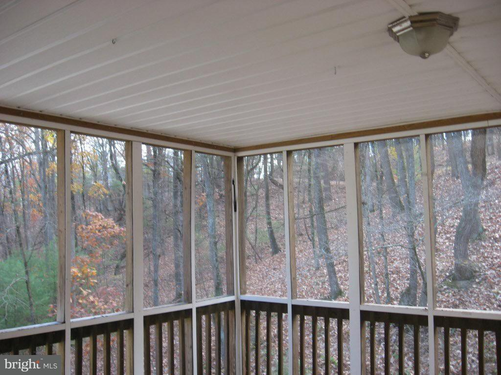 Additional photo for property listing at 190 Brian Dr  Basye, Virginia 22810 United States