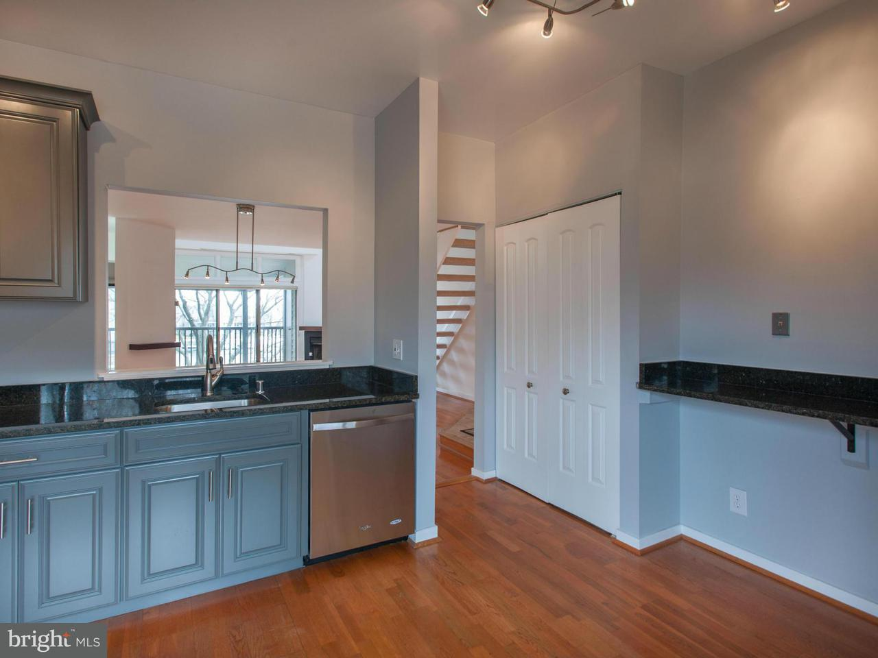 Additional photo for property listing at 7024 CHANNEL VILLAGE CT #202 7024 CHANNEL VILLAGE CT #202 Annapolis, Maryland 21403 United States