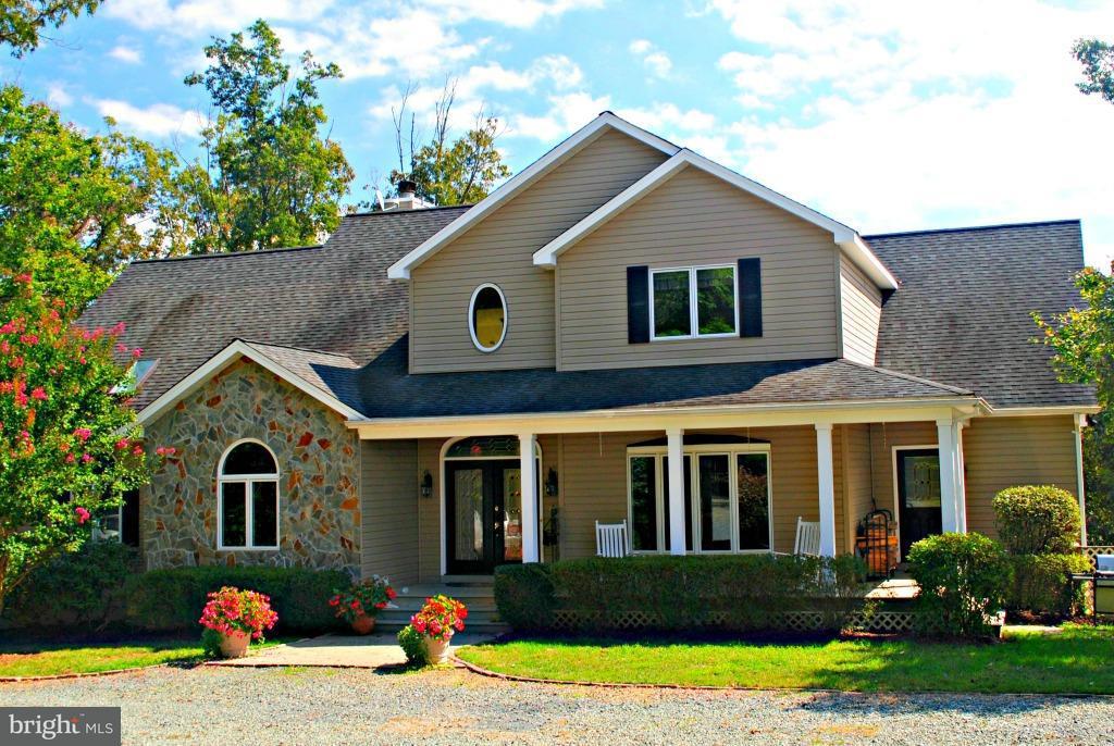 단독 가정 주택 용 매매 에 581 Blacks Lane 581 Blacks Lane Scottsville, 버지니아 24590 미국