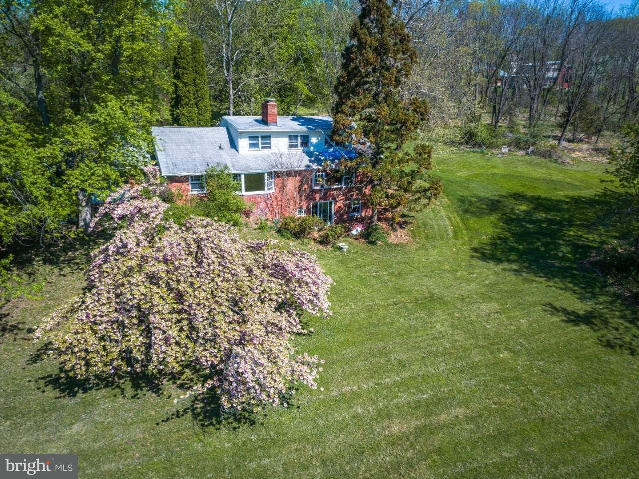 Nhà ở một gia đình vì Bán tại 523 UPPER STUMP Road New Britain, Pennsylvania 18914 Hoa Kỳ