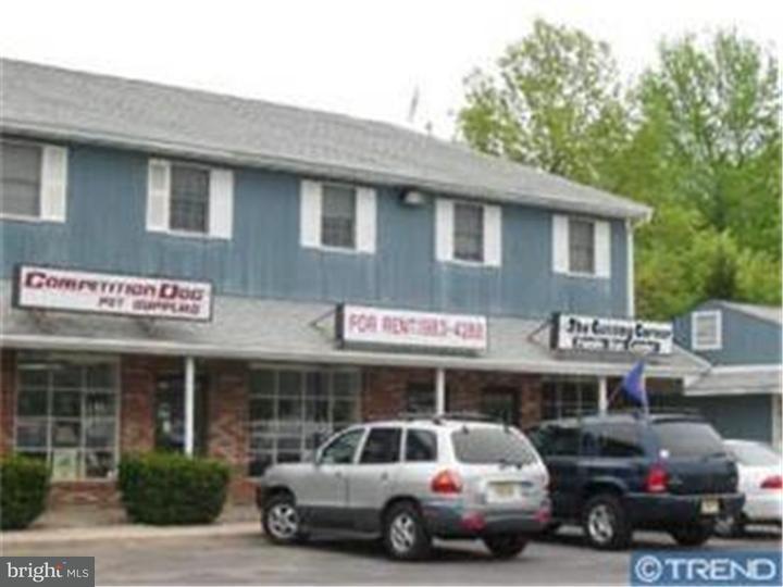 Maison unifamiliale pour l Vente à 703 STOKES RD #OFF #7 Medford, New Jersey 08055 États-Unis