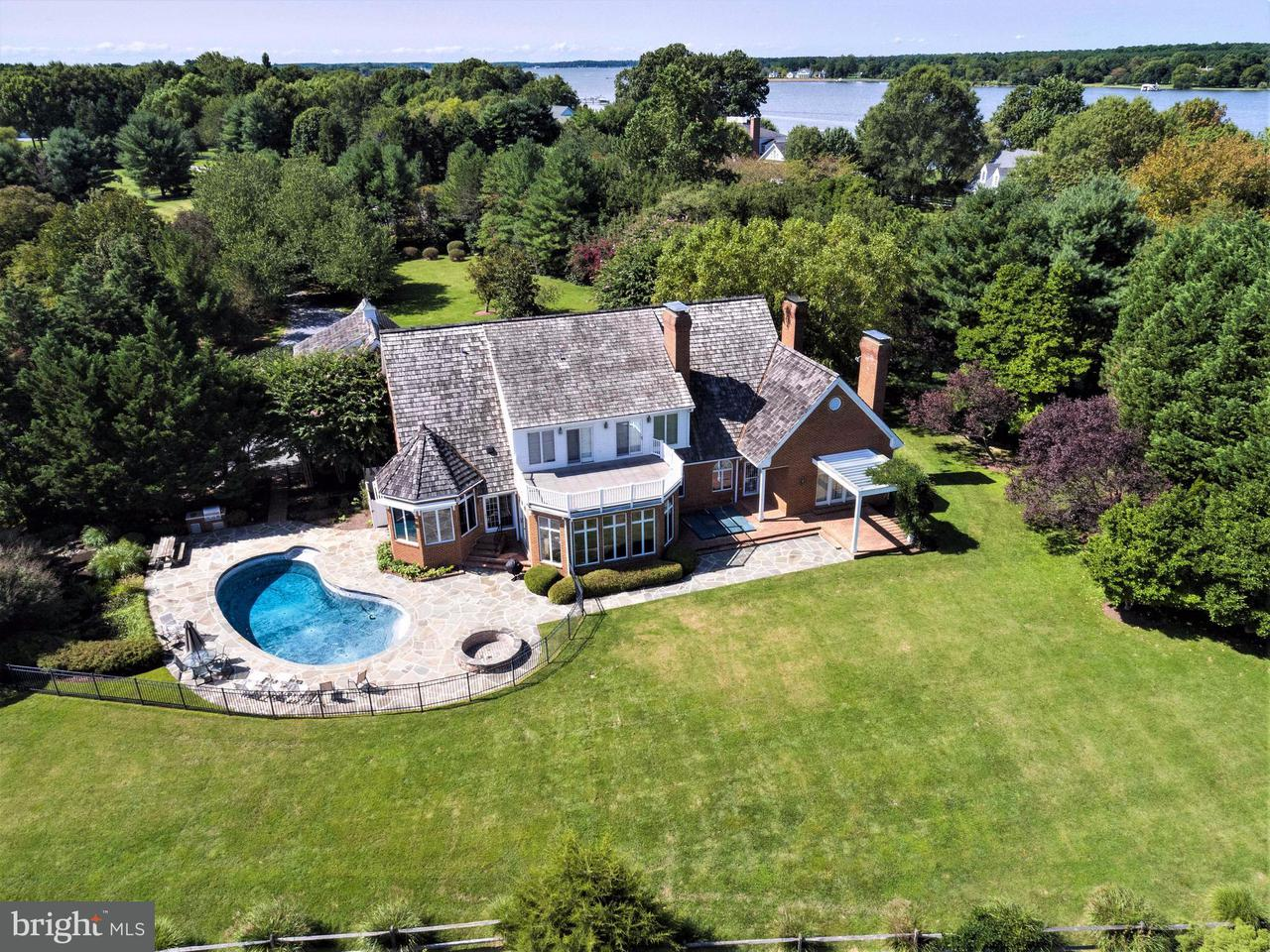 Maison unifamiliale pour l Vente à 8529 Aveley Farm Road 8529 Aveley Farm Road Easton, Maryland 21601 États-Unis