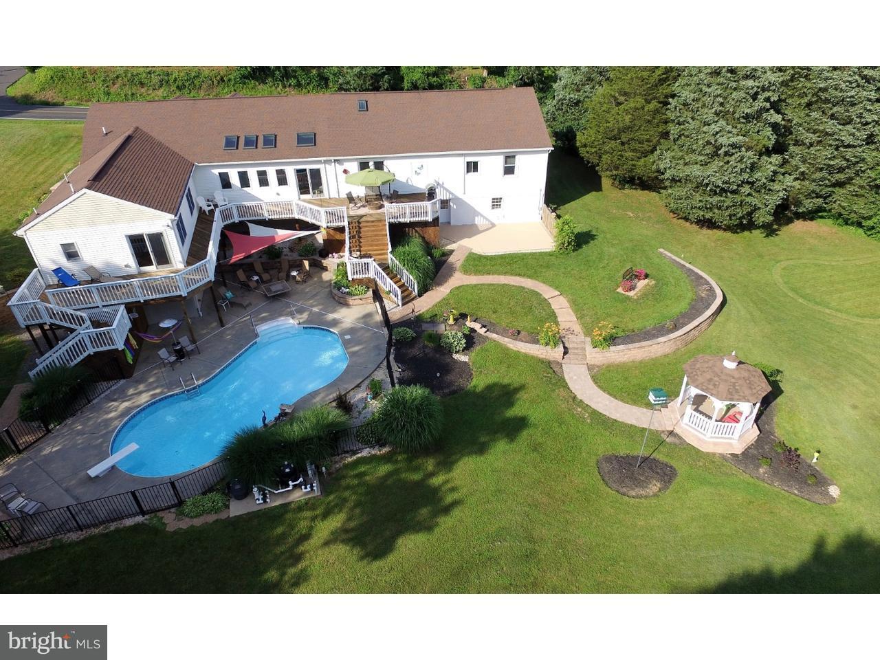Casa Unifamiliar por un Venta en 2456 KNIGHT Road Pennsburg, Pennsylvania 18073 Estados Unidos
