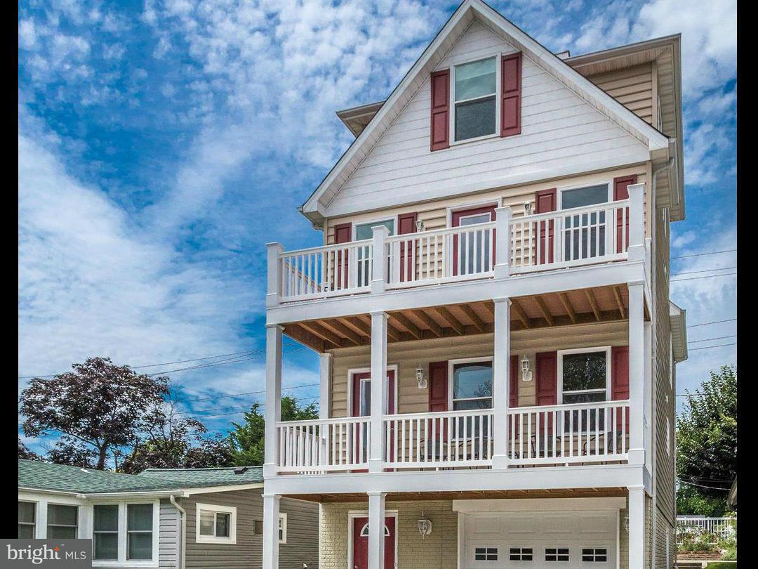 独户住宅 为 销售 在 8229 BAYSIDE Road 8229 BAYSIDE Road Chesapeake Beach, 马里兰州 20732 美国