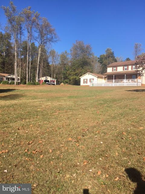 Μονοκατοικία για την Πώληση στο 14275 Lee Hwy 14275 Lee Hwy Amissville, Βιρτζινια 20106 Ηνωμενεσ Πολιτειεσ