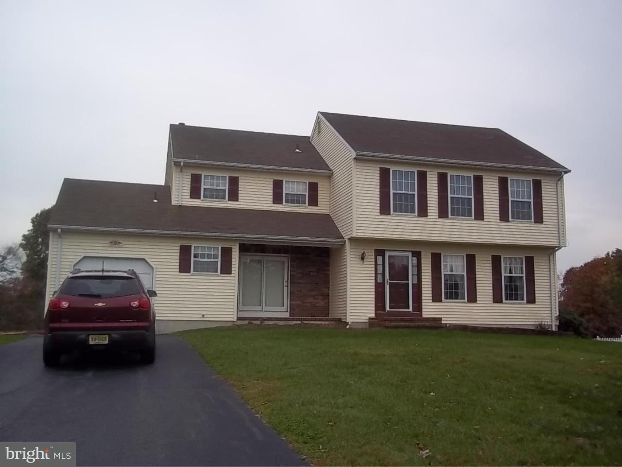 Maison unifamiliale pour l Vente à 15 SPRING HILL Drive Woolwich Township, New Jersey 08085 États-Unis