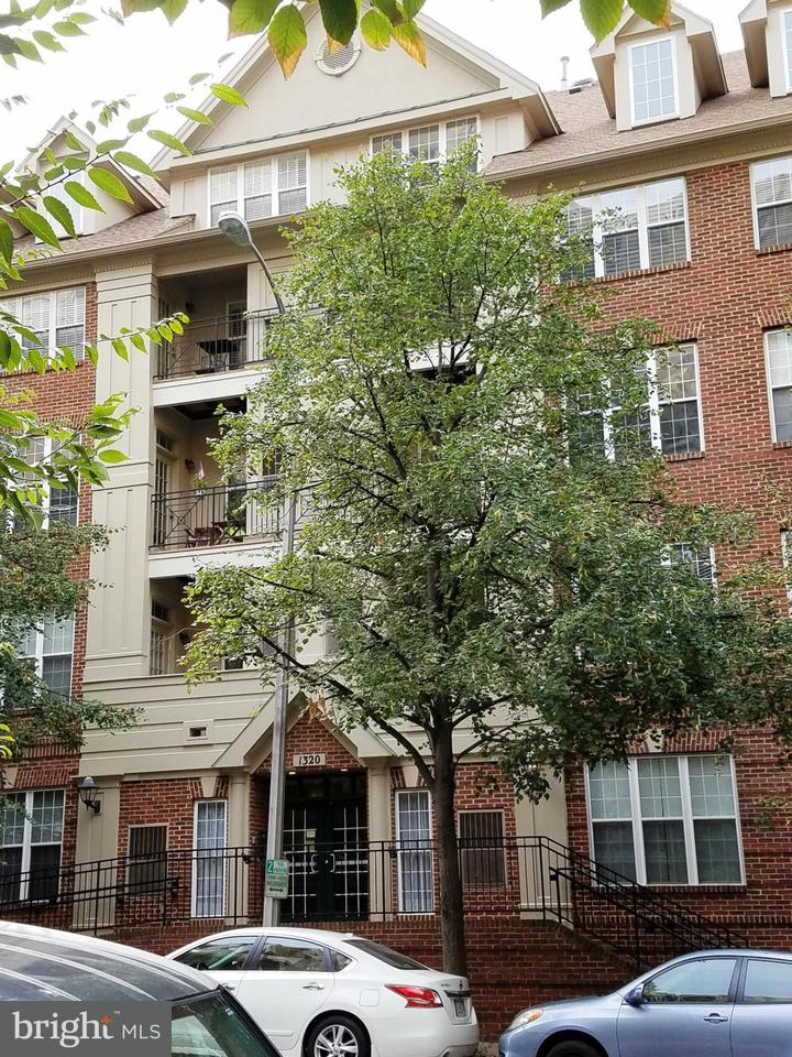 Single Family Home for Sale at 1320 WAYNE ST #303 1320 WAYNE ST #303 Arlington, Virginia 22201 United States