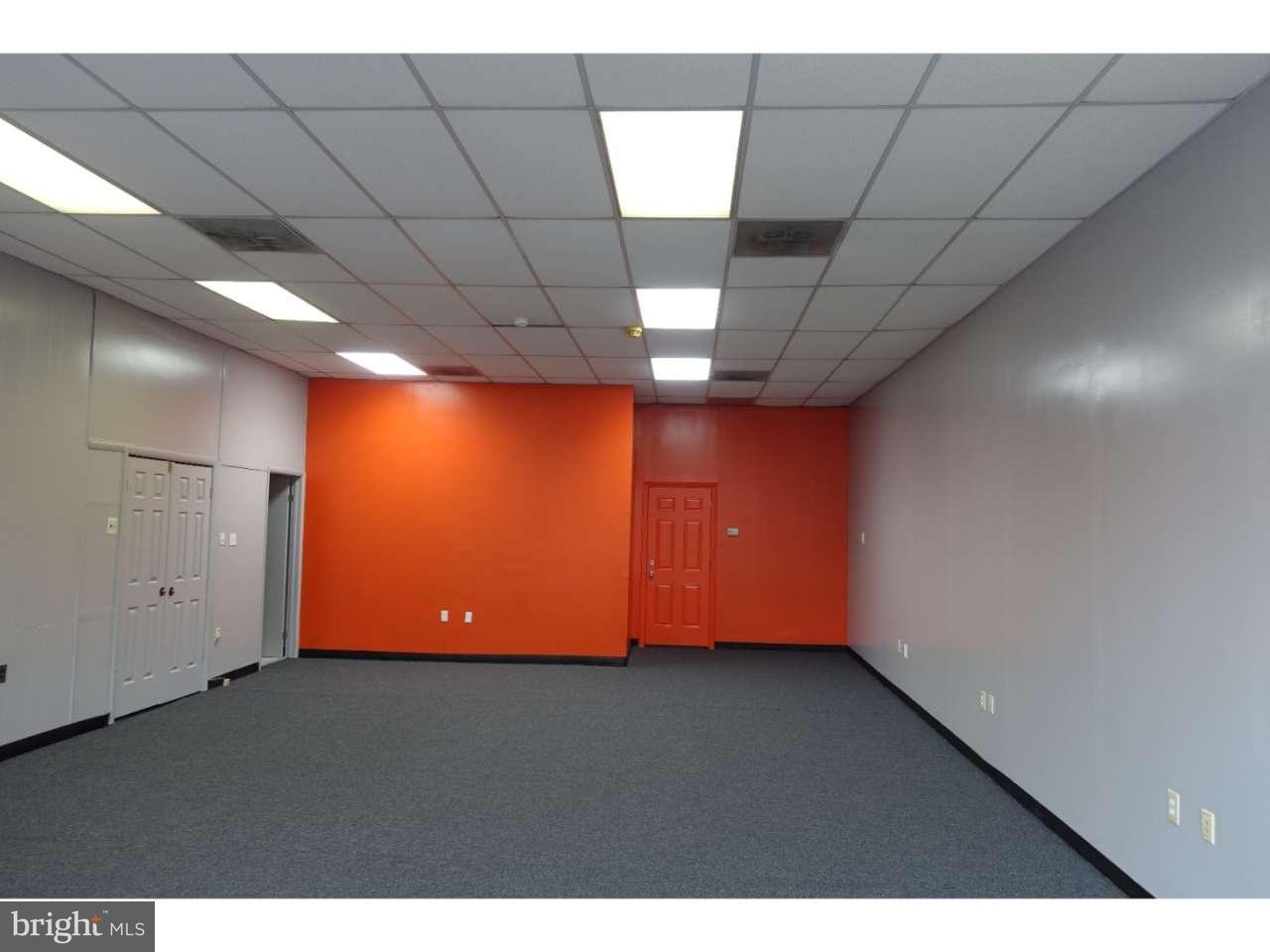 Additional photo for property listing at 9 E BROAD Street  Burlington, New Jersey 08016 États-Unis
