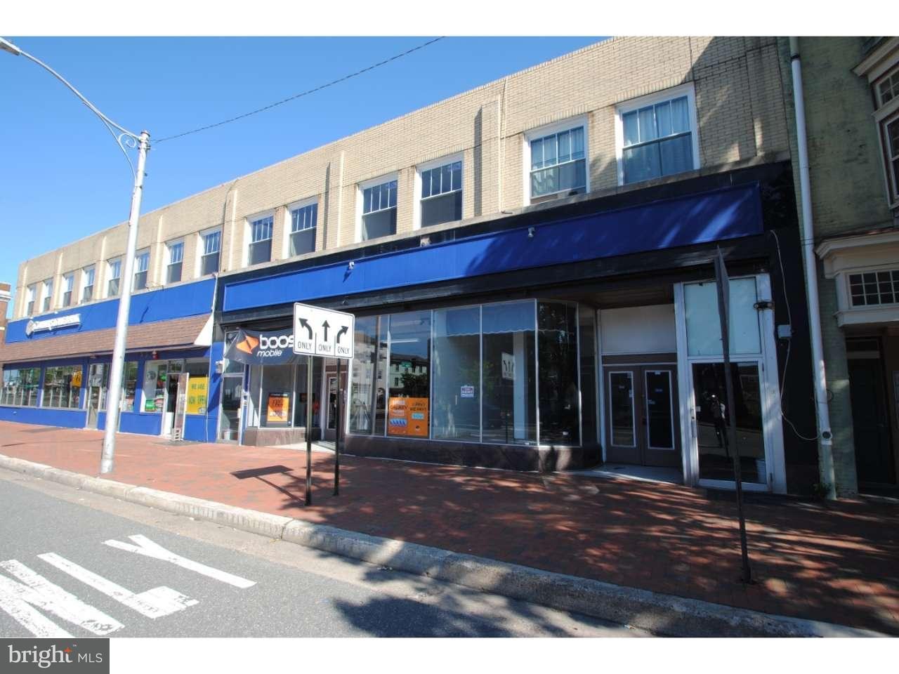 Частный односемейный дом для того Продажа на 9 E BROAD Street Burlington, Нью-Джерси 08016 Соединенные Штаты